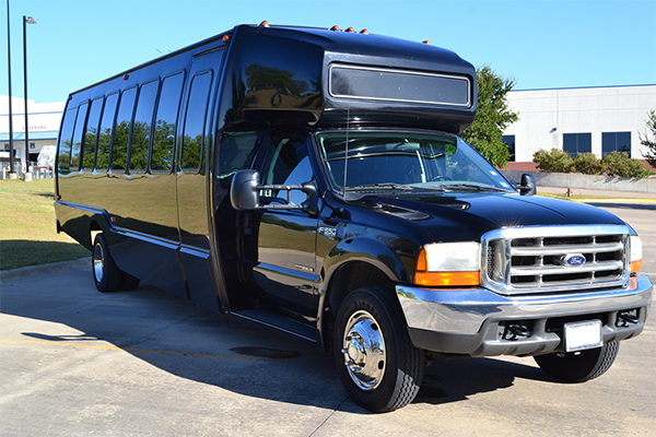 15 Passenger party bus Fort Wayne