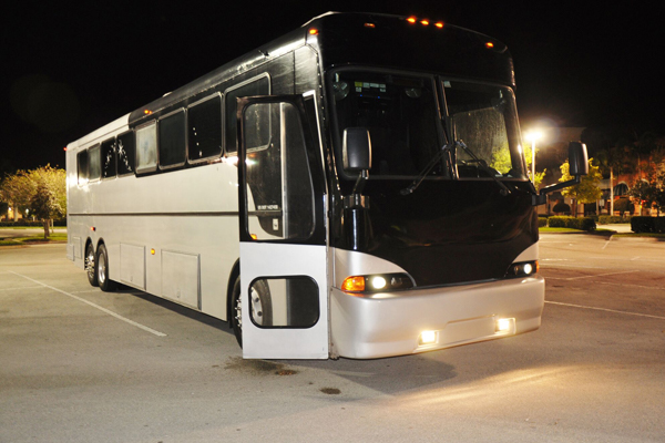 40 passenger party bus Fort Wayne