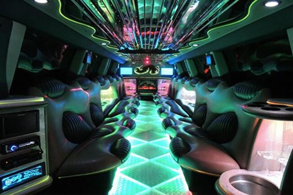 Hummer limo rental Fort Wayne